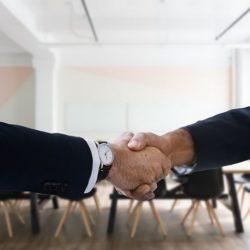 Découvrez 5 manières d'améliorer le processus d'embauche grâce à des techniques de recrutement innovantes basées sur les nouvelles technologies.